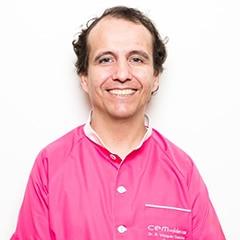 Alan Vazquez Galvache cirugía dental Alcorcón. Cirugía Odontológica Centro Especialidades Médicas Valderas