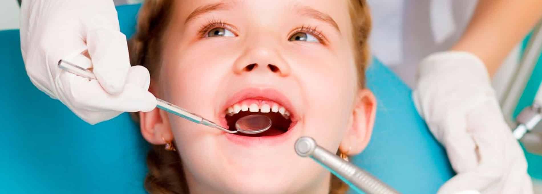 Ondontopediatria Dentistas niños en Alcorcón. Clínica dental CEM Valderas dentista infantil