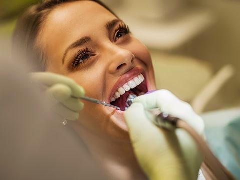 conexión entre encías y corazón. CEM Valderas Dentistas Alcorcón