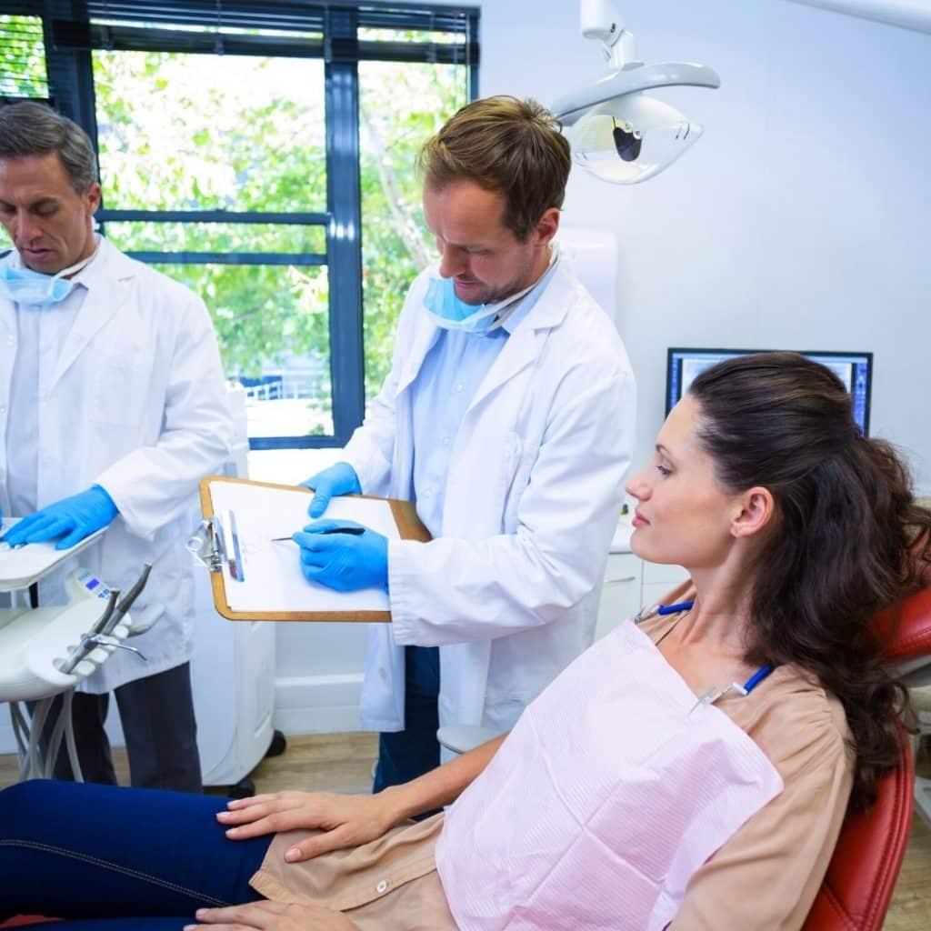 ¿Qué puede detectar un dentista durante una revisión dental?. Dentistas en Alcorcón CEM Valderas